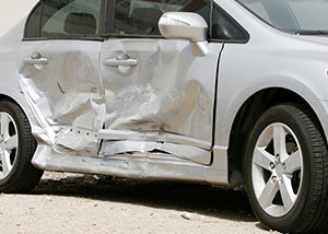 Dangers of a Sideswipe Car Crash